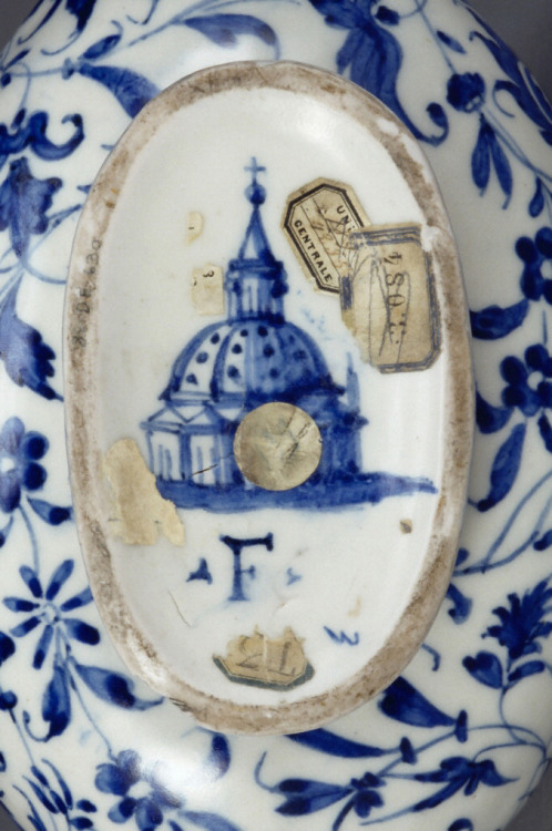 "thegetty:  Florence cathedral appears in miniature on the bottom of an Italian flask along with the letter ""F,"" the mark of the Medici Porcelain Manufactory.  Grand Duke Francesco I de' Medici, an experimental chemist, employed alchemists in the 1500s to unlock the secret of making true porcelain, which only the Chinese had mastered (for seven centuries, by that time). The mad scientists of Italian porcelain failed, though they did create a so-called ""soft-paste"" porcelain used for many lovely things along the way.  Letter 'F'"