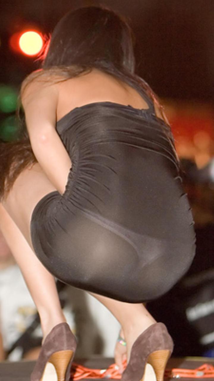 Трусики просвечивают через платье 15 фотография