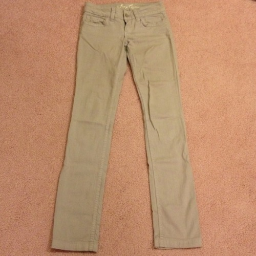 I just added this to my closet on Poshmark: Juicy Couture Gray Pants Size 24. (http://bit.ly/13AP8qS) #poshmark #fashion #shopping #shopmycloset