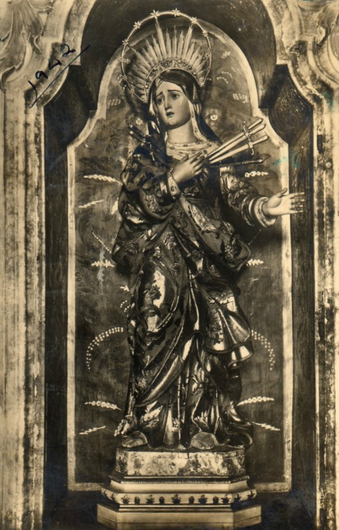 Nossa Senhora das DoresA postcard from the 1940s of the statue of Our Lady of Seven Dolours in Portalegre, Portugal.