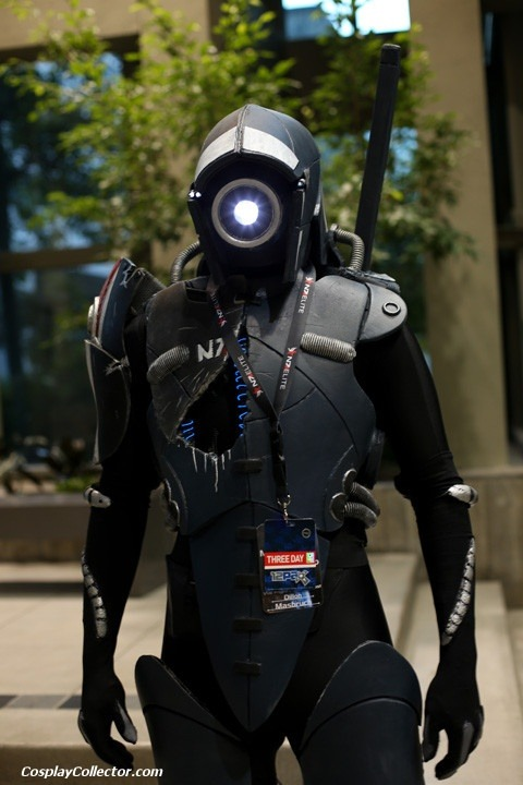 shockerz:  Legion - Mass Effect  This was so amazing looking in person.