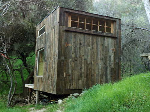 cabinporn:  Handmade home in Topanga, CA. Contributed by Mason St. Peter.