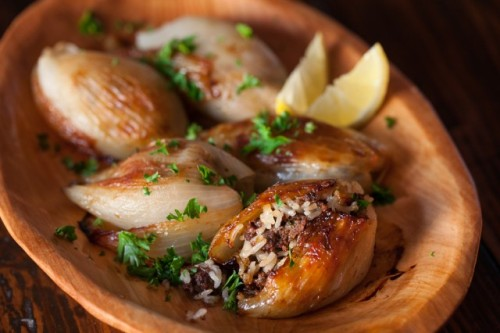 lebanese roasted stuffed onion: recipe here