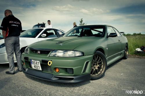 Answer to today's MotoRiddle: Nissan Skyline GT-R R33 Good job to inkandethanol for being the first to answer correctly! And an honorable mention to adamlittledesign for getting it about 6-seconds later and the rest who got it right. Congratulations guys and well done! There were multiple Skyline R34 guesses which were very close but no cigar…But don't worry, there will be more MotoRiddles coming soon. Thanks for playing everyone!