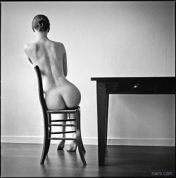 tobia:deadgirls:purecream:maxum:back of a nude girl sitting in a chair