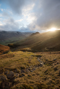 intothegreatunknown:  Brief Light Over Langdale Peaks