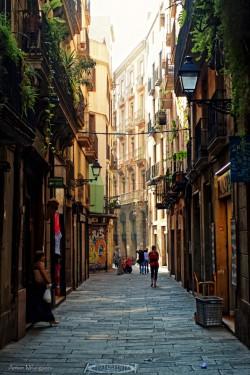 vacilandoelmundo:  Barcelona, Spain  Te echo de menos…..