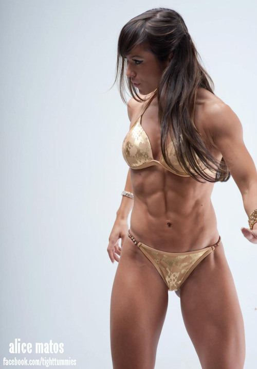 tighttummies:  strong woman, fitness model, bikini