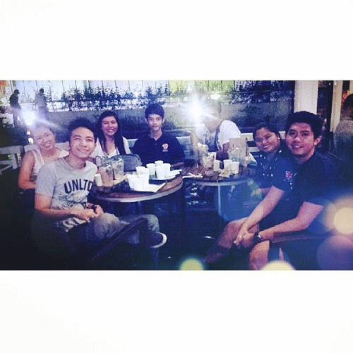 Chill night with college buddies. #immoral (at Starbucks Coffee)