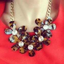 New favorite @jcrew necklace.. Get it here: http://rstyle.me/~cz-riDC #jcrew #tortoise #flowers