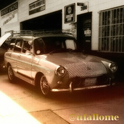Honest Engine's shop #car #VWRASER in #Sacto #vw #typeIII #squareback #carporn #vwporn #Volkswagen #garage @BugORama  (at Honest Engine Midtown)