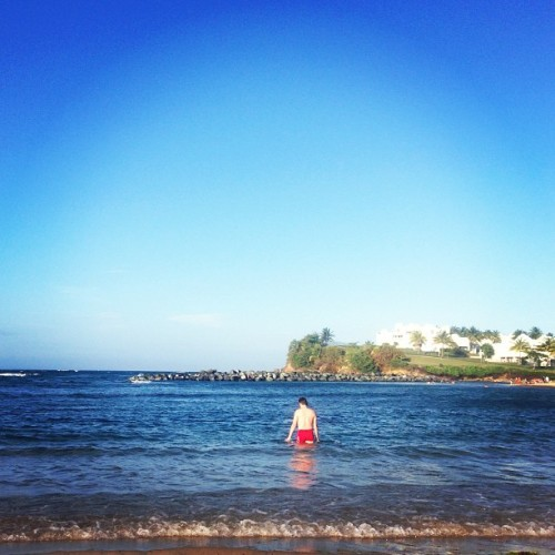 baywatch #instagram #iphonegraphy #igpuertorico #instagramers #igers #love #beach #water #sand #man #baywatch @louismartinez  (at Embassy Suites Dorado del Mar Beach & Golf Resort)