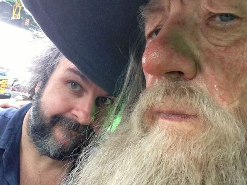 peter jackson posted this today on his fb because hobbit pickups have officially begun and let me tell you i expect 5000000 more photos like this on the cast's twitter do not deny me this