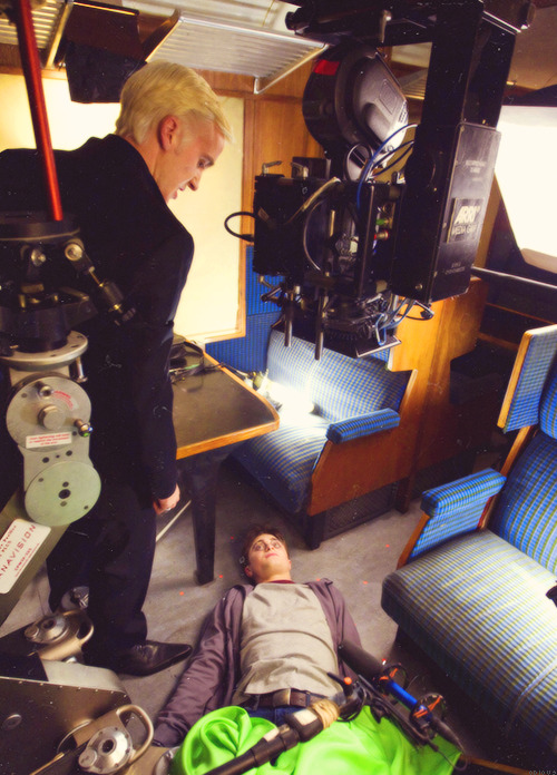 onecelestialbeing:   Harry Potter and the Half-Blood Prince, behind the scenes  Draco's pointy shoes.  Mmmmmhhh…I kinda have a thing for pointy mens shoes