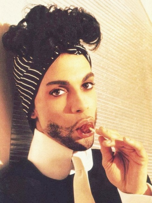 10/100 Photos Of Prince.
