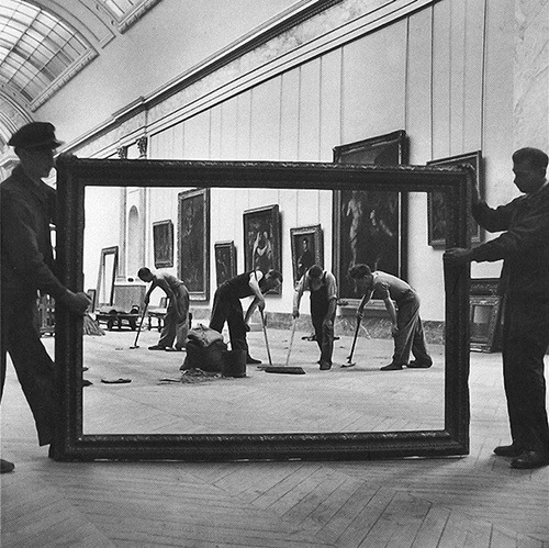 helterandskelter:   Workers at The Louvre, Paris. Photo by Pierre Jahan. 1947.  artsy