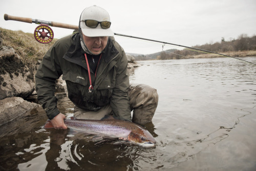 Jaran Gustavsen (Loop Team Norway) with a colorful salmon. River Spey, Scottland.