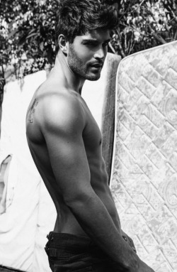 mancrushoftheday:  lovingmalemodels:  Nick Bateman   The Man Crush Blog / Facebook / Twitter