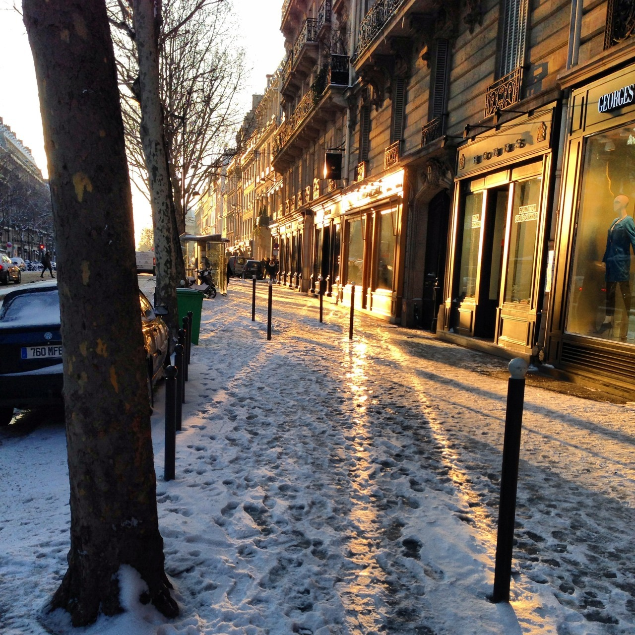 baladeur-temporel:  The best way to begin my day… A sunshine !   Ah Paris…