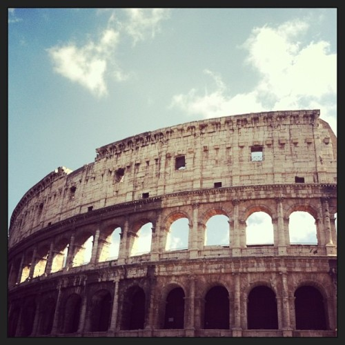 Colosseo (at Roma)