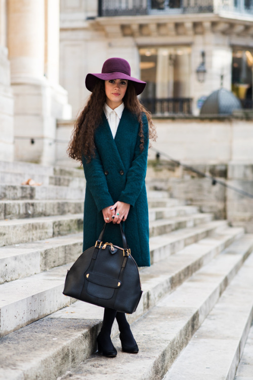 Don't know what to wear? Style your favorite knee length coat as a dress (source: thelocals.dk).