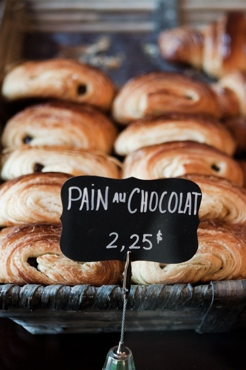 Reblogging, despite the punctuation errors, because I fucking love pain au chocolat.