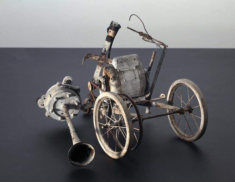 noise2010:  Robert Rauschenberg - Jean Tinguely collaboration