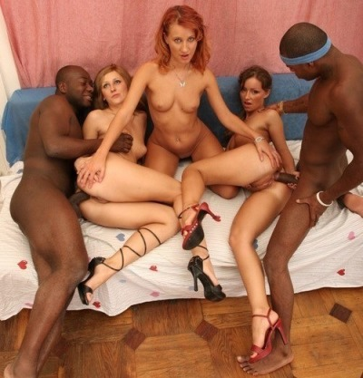 kingsofwhitepussy:  White bitches are a team sport.