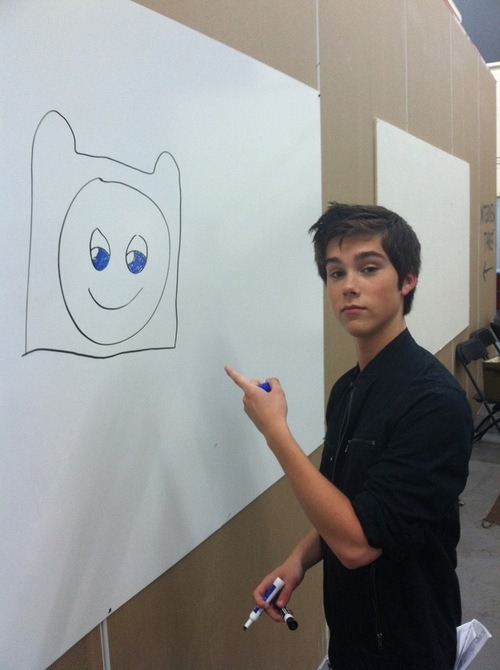 finnthehuuman:   clairetube:  adventuretimepokemontime:  voice actor of finn draws finn   voice actor of finn is cordially invited to fuck my brains out   voice actor of finn is 15 years old