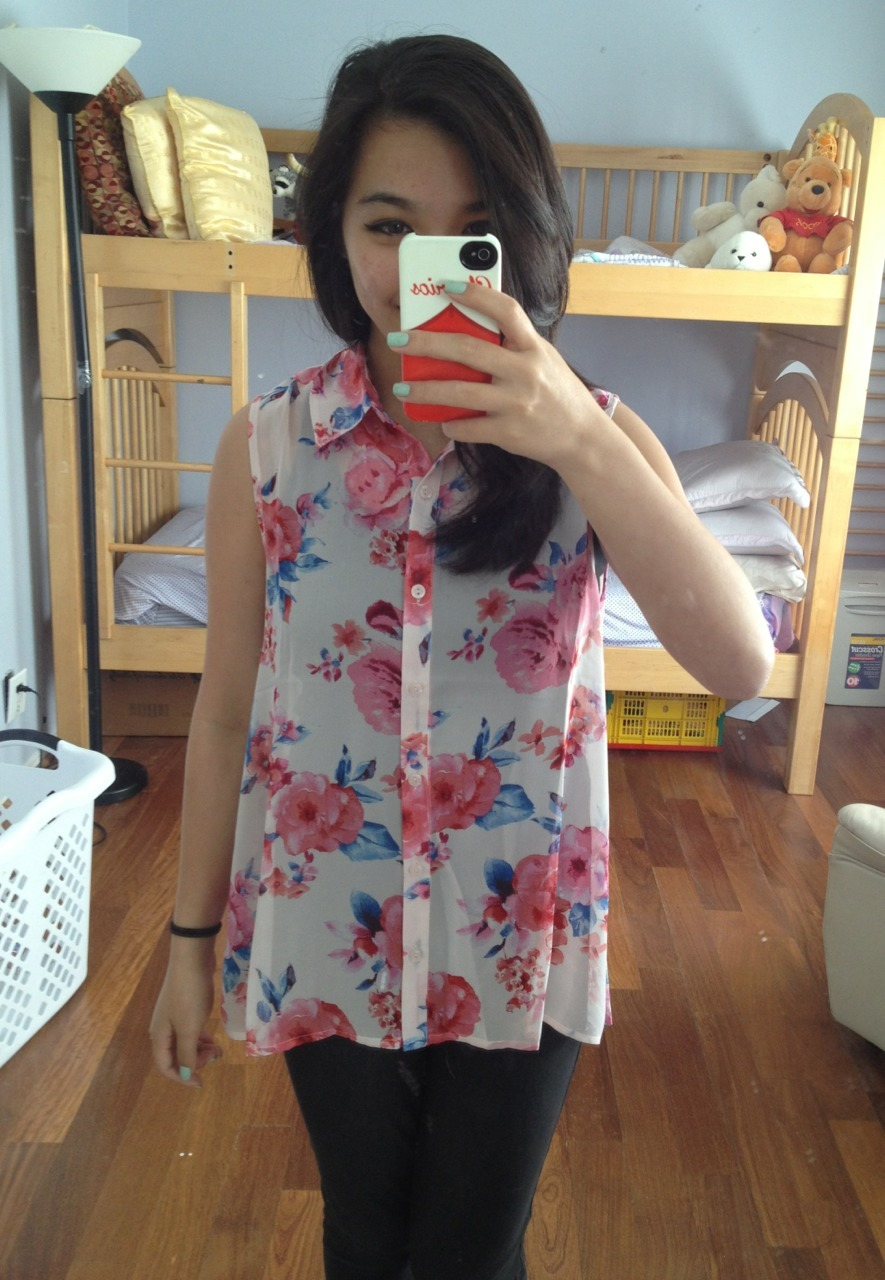 THIS TOP IS SO PRETTY *u*