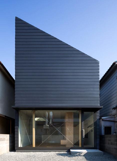 Family home by Shintaro Fukuhara.