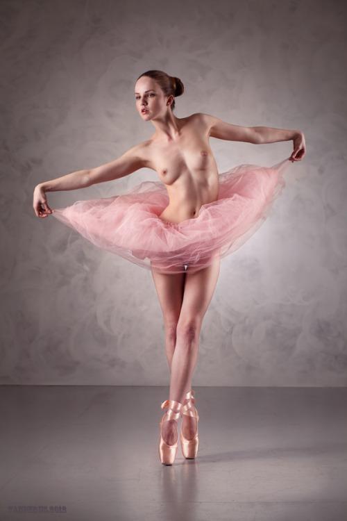 ню фото балерин