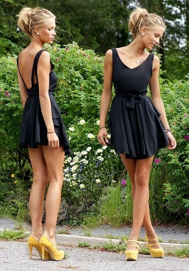 sue-blog:  sue-blog.tumblr.com  Cute cute dress