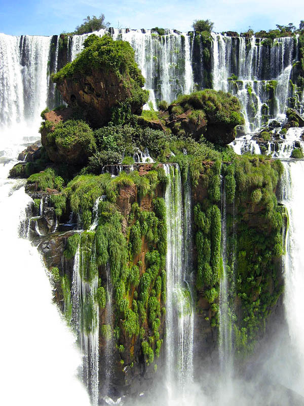 journeyofawakening:  until-the-very-end: Waterfall Island at Iguazu Falls Can you bring me here?