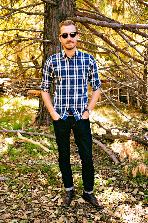 October 20, 2013.  Tried to go apple picking today. They were all out of apples. Shirt: J. Crew Factory - $40 (similar)Jeans: American Eagle - $39Boots: Maarco - Steve Madden (c/o)Watch: Timex Easy Reader - Target - $29Sunglasses: Ray Ban Clubmaster in Tortoise - $89