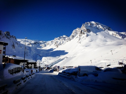 Setting the scene for a packed day two at X Games Tignes! Here's what's on tap. Kicking things off with Men's Snowboard Slopestyle Elims: http://es.pn/101Q9Ia