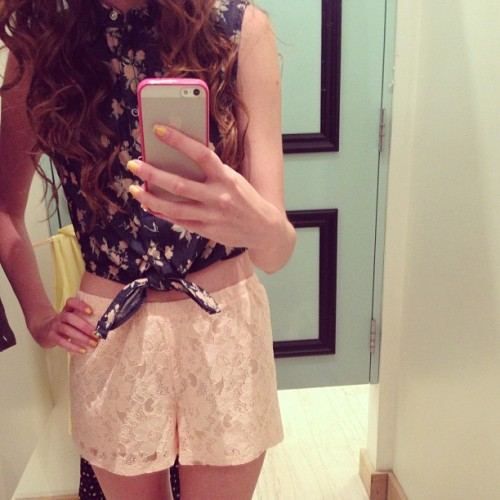 darlingrachel:  work all day, shop all night 😋 outfit from forever 21. follow me on Instagram for more of my outfits @darlingrachel