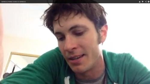 Look at this hothothothothothottie!!!  Toby Turner rocks!!!  Such a brilliant man!   LINK: http://www.youtube.com/watch?v=9MYuEhsCyks