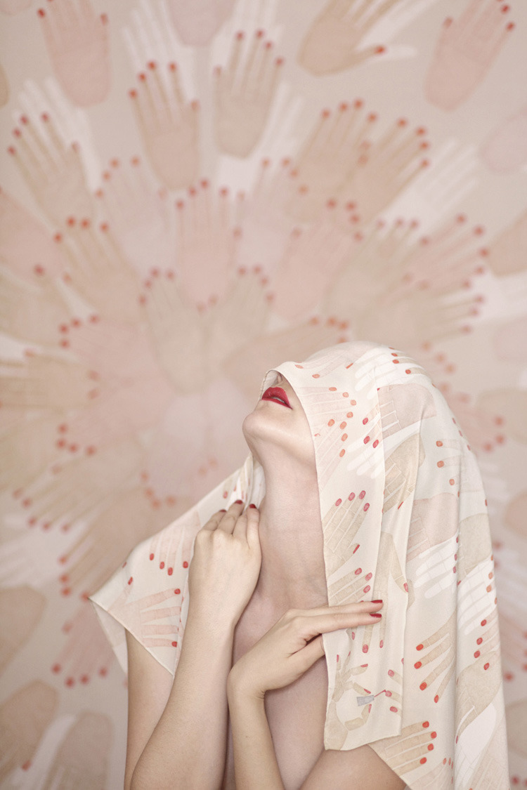 honestly-wtf:  SuTurno Blondell scarves