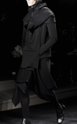 edge-to-edge:  Rad By Rad Hourani FW2011 photo by Char Alfonzo'