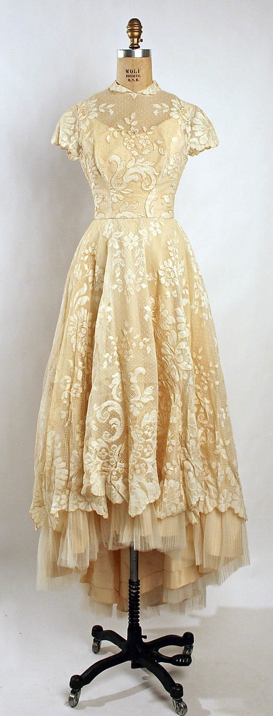 jada111:  ** All Things Wedding ** / 1955 #wedding dress.