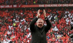 For Every Red Gratitude Is Eternal ! thank you so much Sir Alex Ferguson, what a sweet football moment, WE DO LOVE UNITED #GGMU #MUFC #SirAlexFerguson :'D