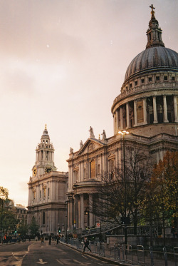 St Paul's, London | by Marixian | via hellanne