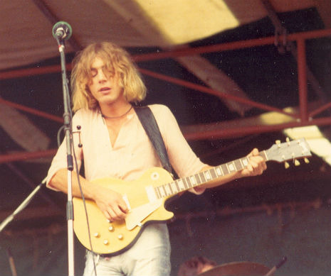 """Kevin Ayers' talent is so acute you could perform major eye surgery with it."" —John Peel  Sad to hear that founding Soft Machine member, Kevin Ayers, one of the most important characters in the history of psychedelic rock, has died at the age of 68. The singer-songwriter guitarist passed away at his home in the French village of Montolieu.  During his career that spanned five decades, Ayers worked with the likes of Brian Eno, John Cale, Syd Barrett, Elton John, Nico, Robert Wyatt, Andy Summers and Gong.  RIP  Via http://dangerousminds.net"