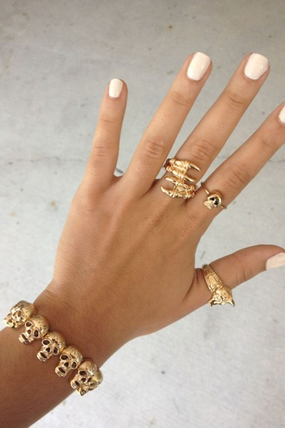 parisbliss:  my upload because yolo click the pic for the skull bracelet