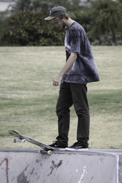 p-olitically-incorrect:  so-casual-so-calm:  || Pure Skate Blog ||   ✗