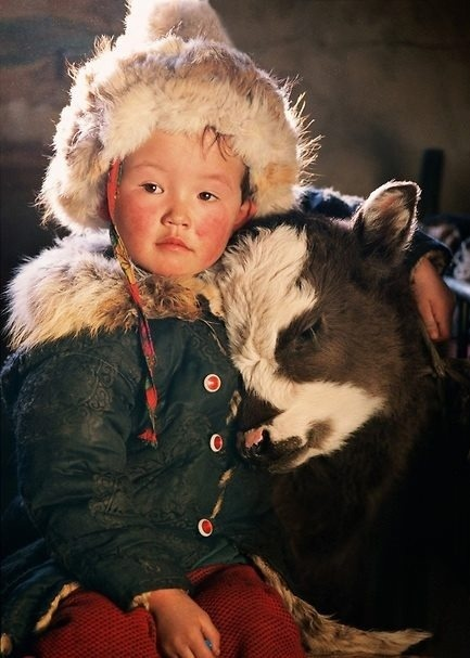 quietbystander:  universalbeauty:  Nomadic Mongolian Boy~  so cute