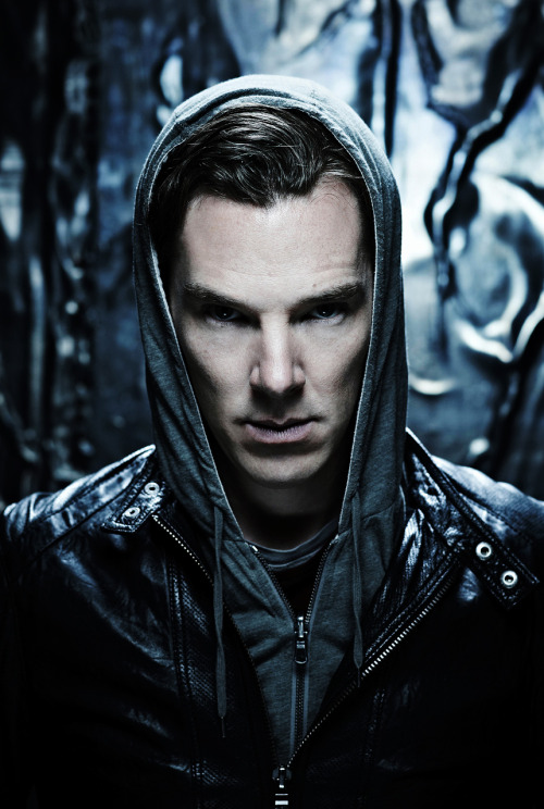 cumberbuddy:  londonphile:  repimg:  Benedict Cumberbatch #13  :)  Every time i see repimg update i die a little. Can't wait to see the icon picture ;)