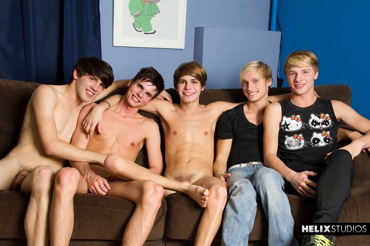 Hanging with the boys after the LiVE show(: @AidenSummersXXX @ChrisCollinsXXX @MaxCarterXXX @JessMontgmryXXX