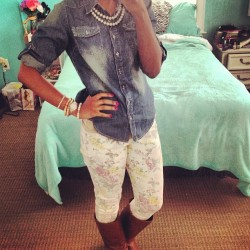 Denim shirt day at work! #ootd #outfitoftheday #wiw #whatiwore #floral #pearls #fashion #jewelry